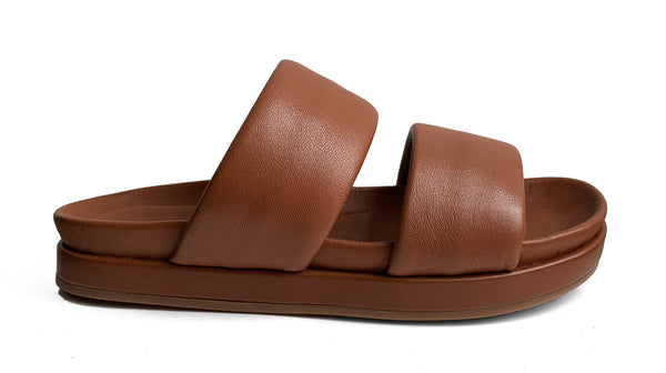 Habillè cognac leather flat slippers