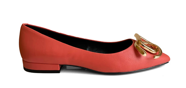 What For Paris Pela coral red leather flat shoe with metallic buckle