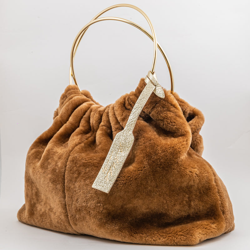 Anita Bilardi Viola camel sheepskin reversible bag with metal ring