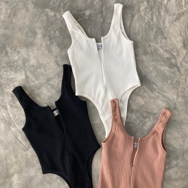 FEELS LIKE BASIC BODYSUIT