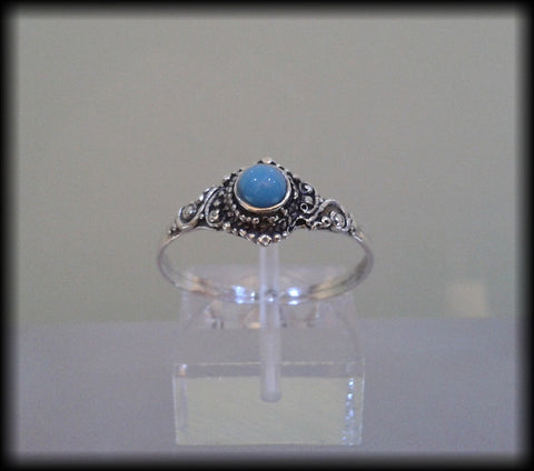 Vintage 800 Solid Silver and Blue Glass Cabochon Ring - Preloved Jewels