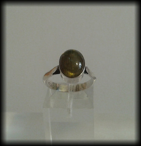 Vintage 925 Solid Sterling Silver and Labradorite Cabochon Ring - Preloved Jewels