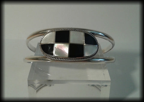 Vintage Heavy 925 Solid Sterling Silver Onyx & Mother of Pearl Cuff Bracelet - Preloved Jewels