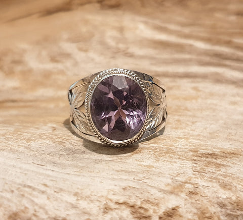 Vintage 925 Solid Sterling Silver and Amethyst Ring - Preloved Jewels