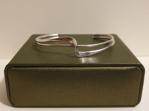 Vintage 925 Solid Sterling Silver Double Wave Bar Torque Bracelet with Box - 12.3g - Preloved Jewels