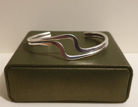 Vintage 925 Solid Sterling Silver Double Wave Bar Torque Bracelet with Box - 21.8g - Preloved Jewels