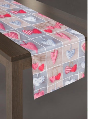 "Modern Tablecloths & Table Runners - ""Hearts"""