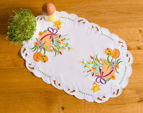 Small Easter Tablecloth with Chicks - 30 x 45cm