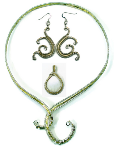 Neckwire with Small Pendant & Mini Scroll Earrings Gift Set