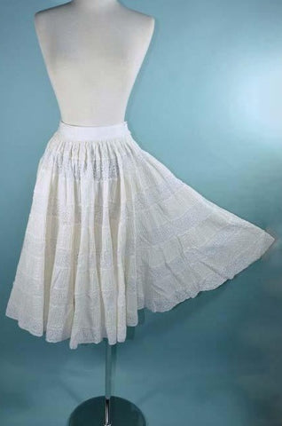"Vintage 60s White Lace Mexican Wedding Skirt/ Boho Hippie Festival  Party Skirt 22"" Waist XXS"