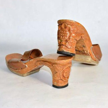 Vintage 40s Carved Wood Sandal WW II Era Souvenir/ Slide Mule Leather Top Rockabilly Slip On Shoes