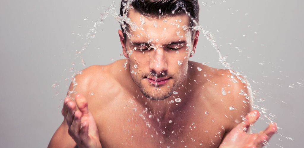 Gentlemen, Here's Why You Should Use A Daily Face Wash