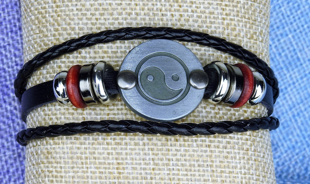 jewelry: Leather Bracelet