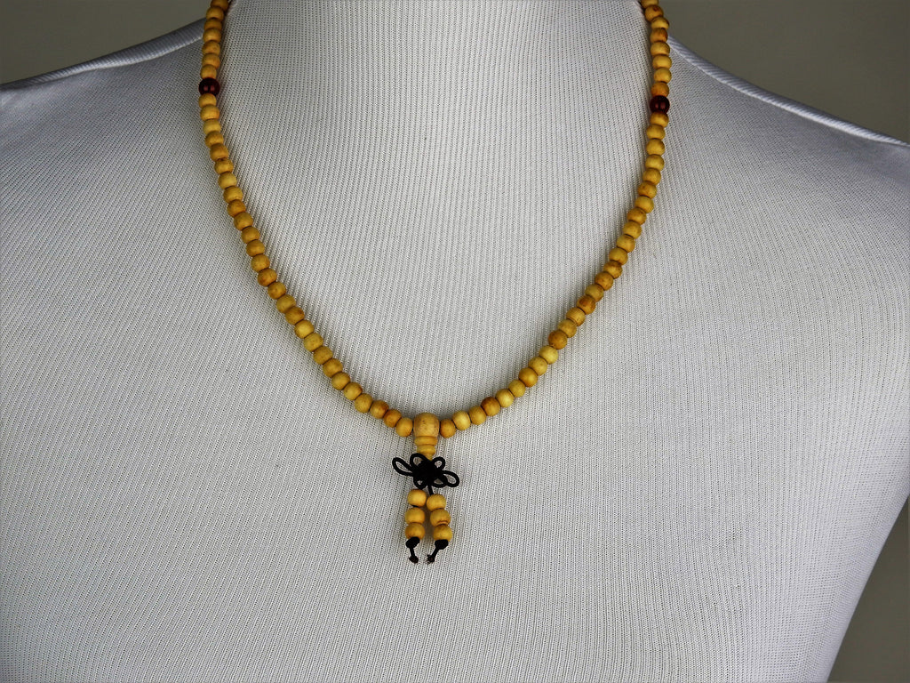jewelry: Bead Sandalwood Necklace