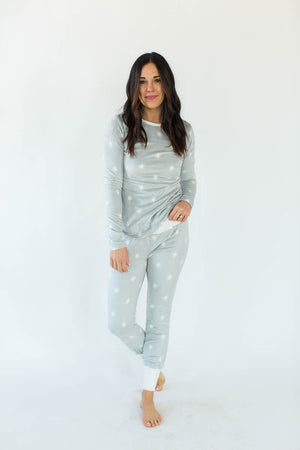 North Star Minky Fleece Tight Fit Set in Light Glacier Gray with All-Over White Dots