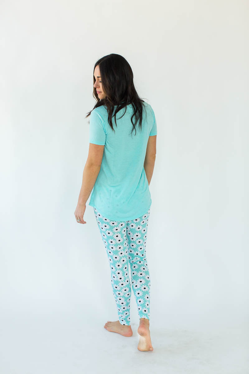 Daisy Printed Tee and Legging Pajama Set
