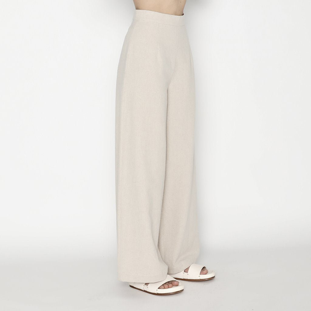wide-legged trouser in oatmeal