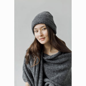 andes beanie in dark charcoal