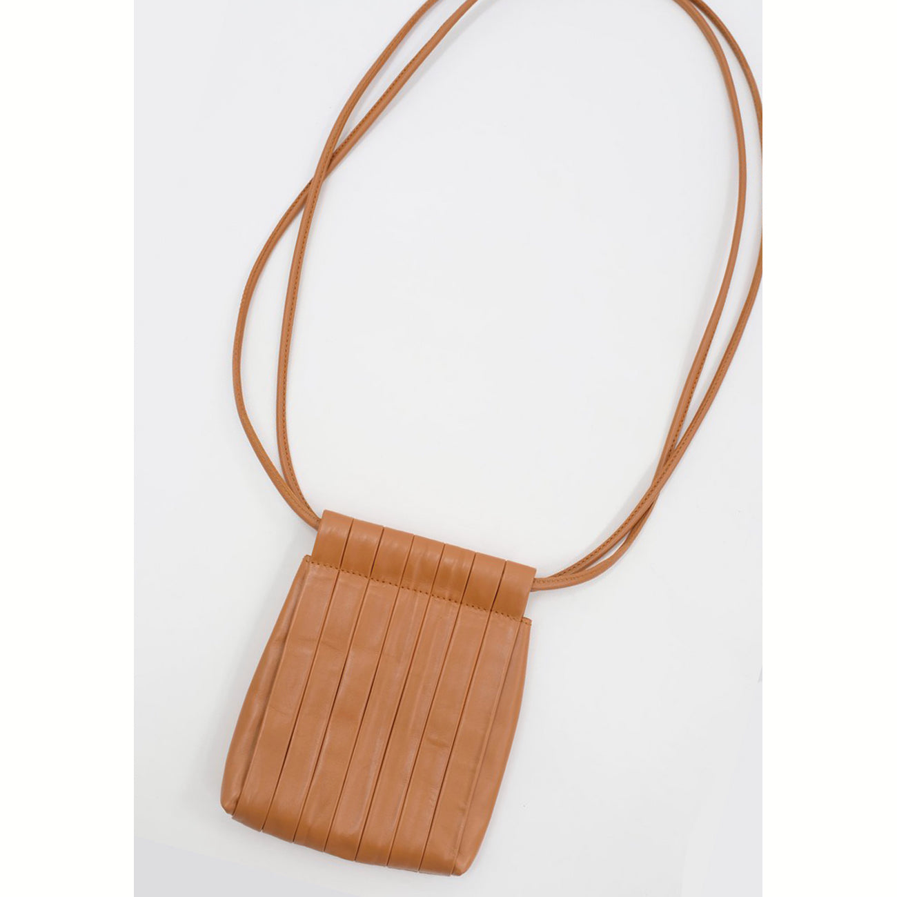 pleated bag in dry clay