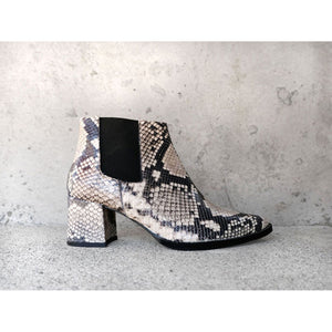 virgo boot in black and white snake