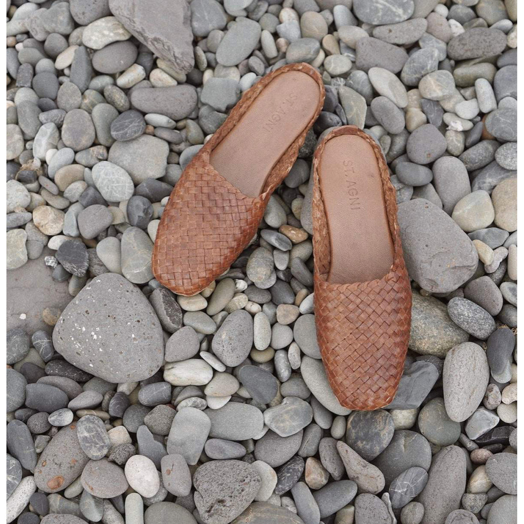 agnese woven flat in antique tan