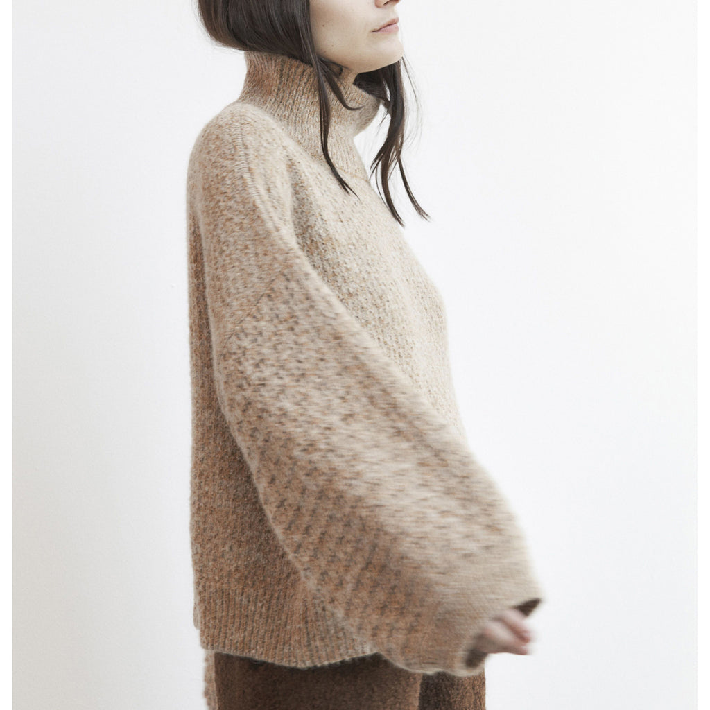 tulip sleeve sweater in wheat
