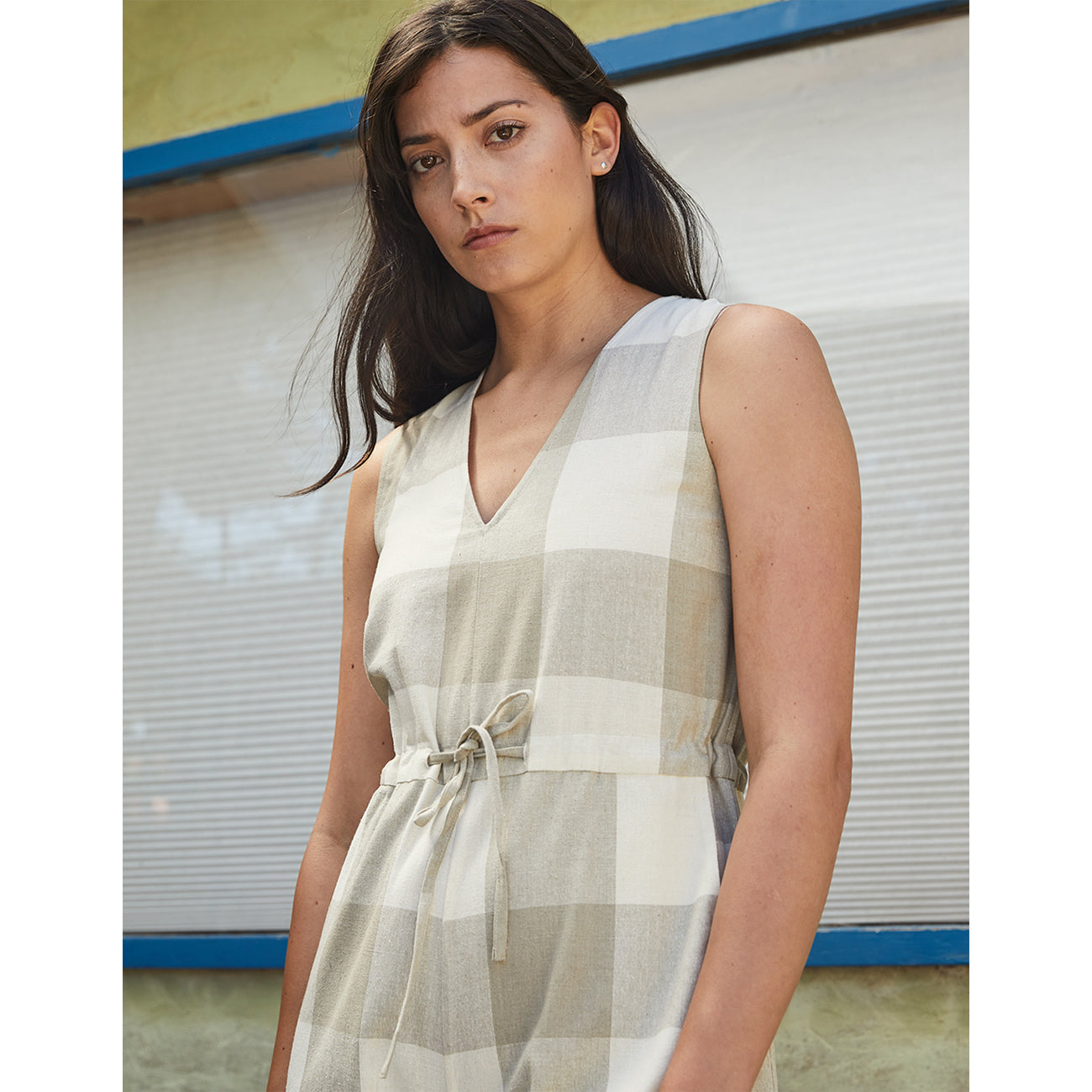 silk slit-back jumper in natural gingham
