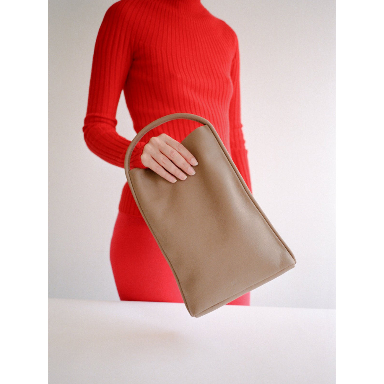 Are Studio Mano Clutch in Dust