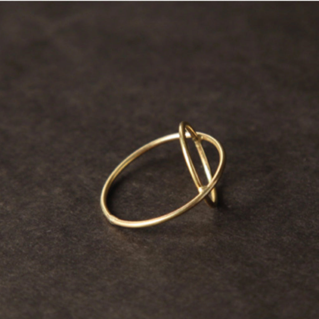 saturn ring in 14k gold