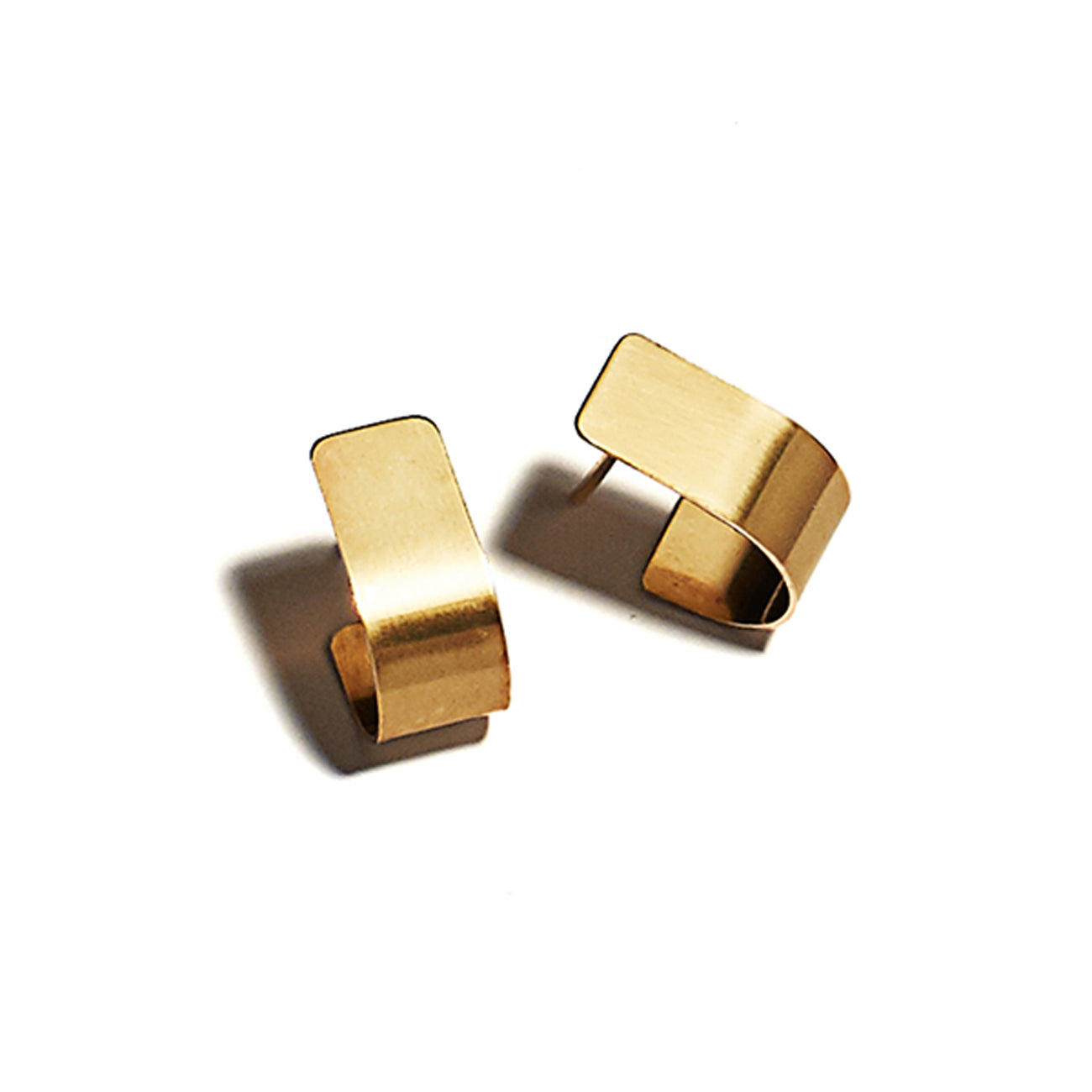 bend studs in 10k gold