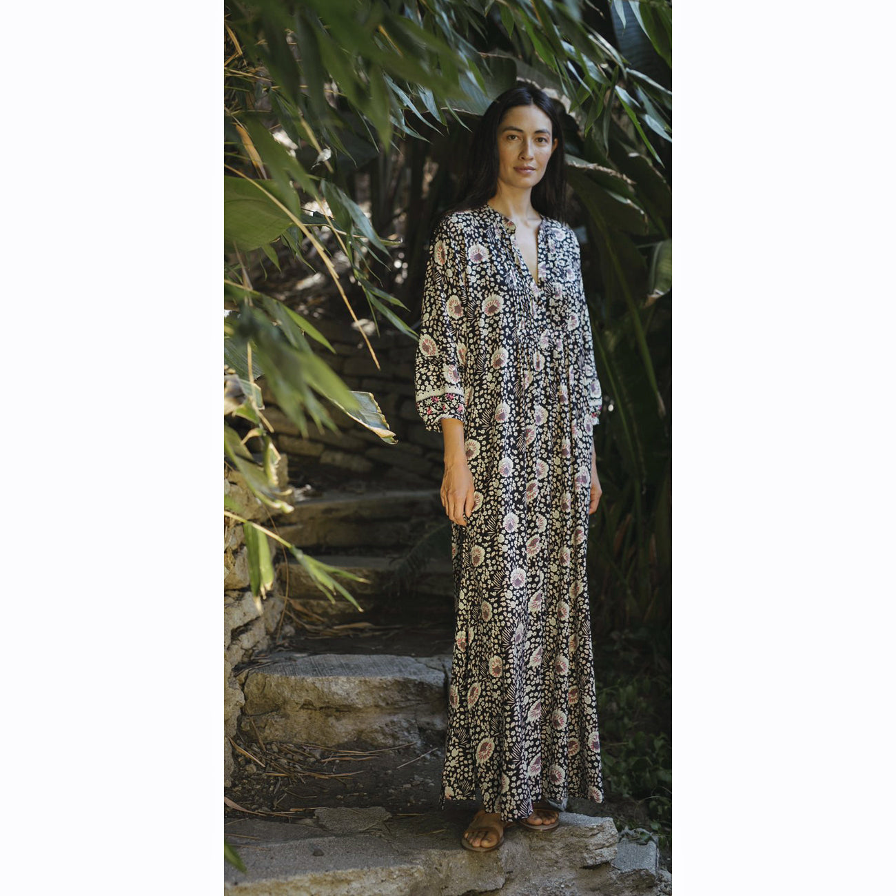 sammie maxi in vintage flowers midnight
