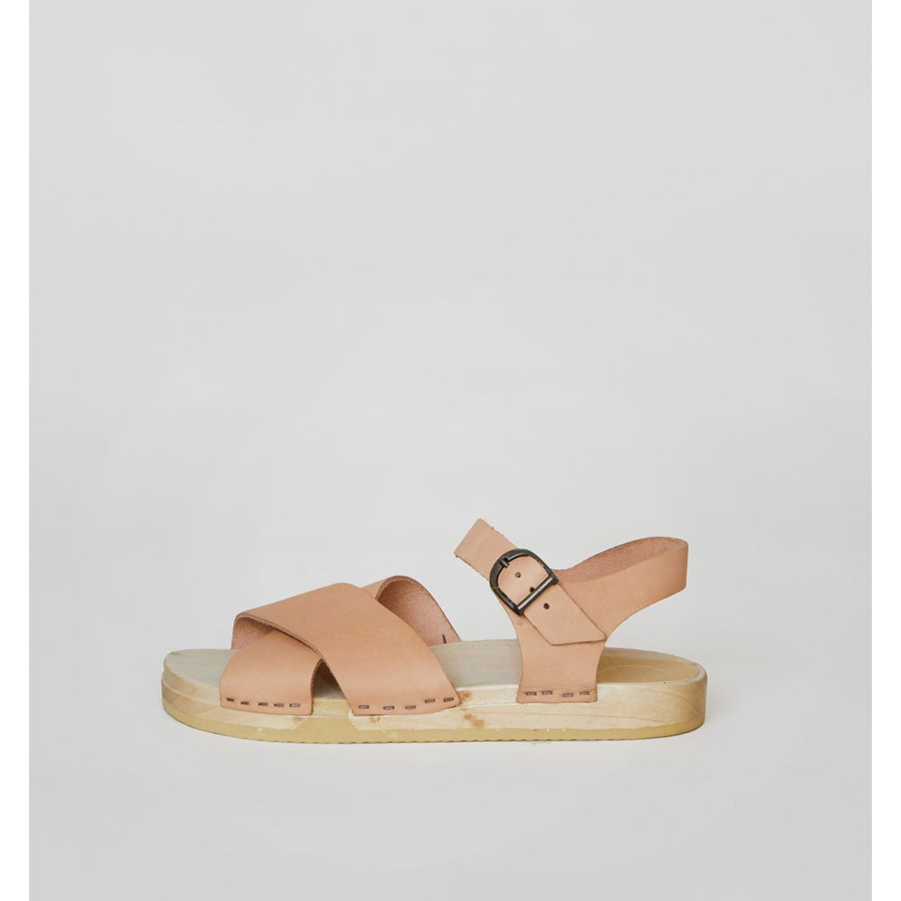 coco cross front clog in naked