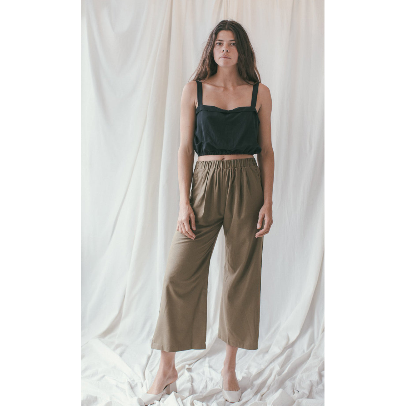 crop wide leg pant in olive