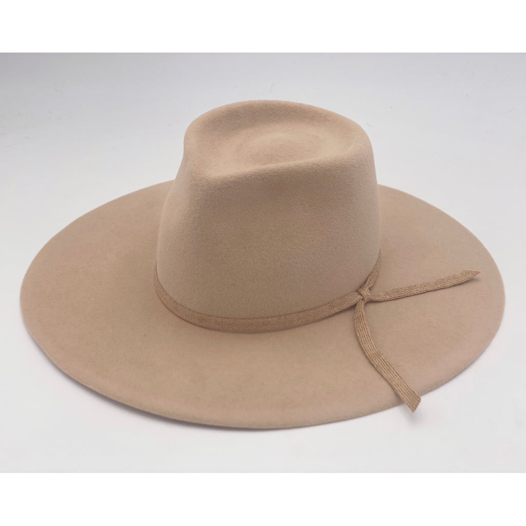 small nana hat in camel