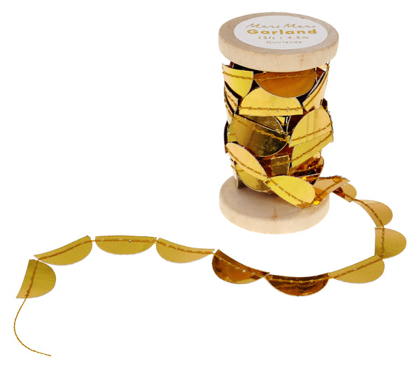 Gold Scallop Spool Garland