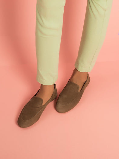 Delilah De-constructed Loafers  (Pepper)