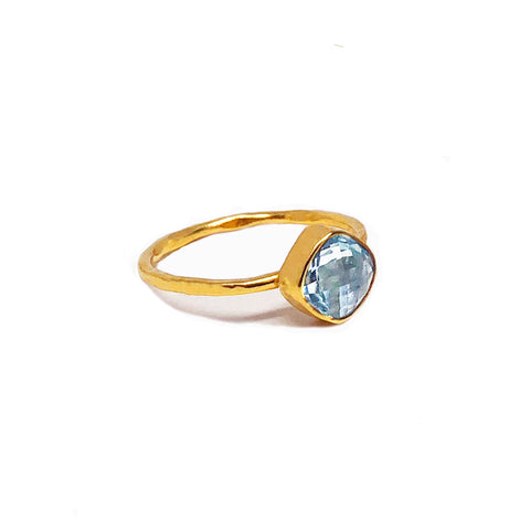 6 mm cushion cut blue topaz ring with gold plating