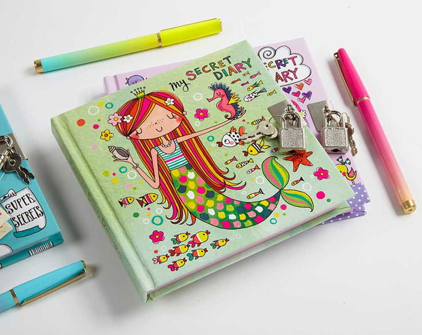 girls locking diary