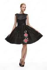 Black backless short prom dresses with embroidery