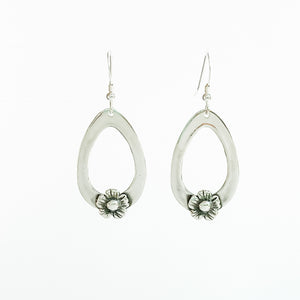 Dangle Earrings with flower