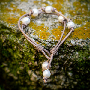 TIN CUP LEATHER AND PEARL BRACELET - TevaJane
