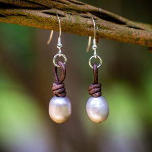 KNOTTED SINGLE PEARL EARRINGS - TevaJane