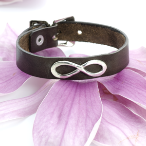 INFINITY LEATHER BAND BRACELET - TevaJane