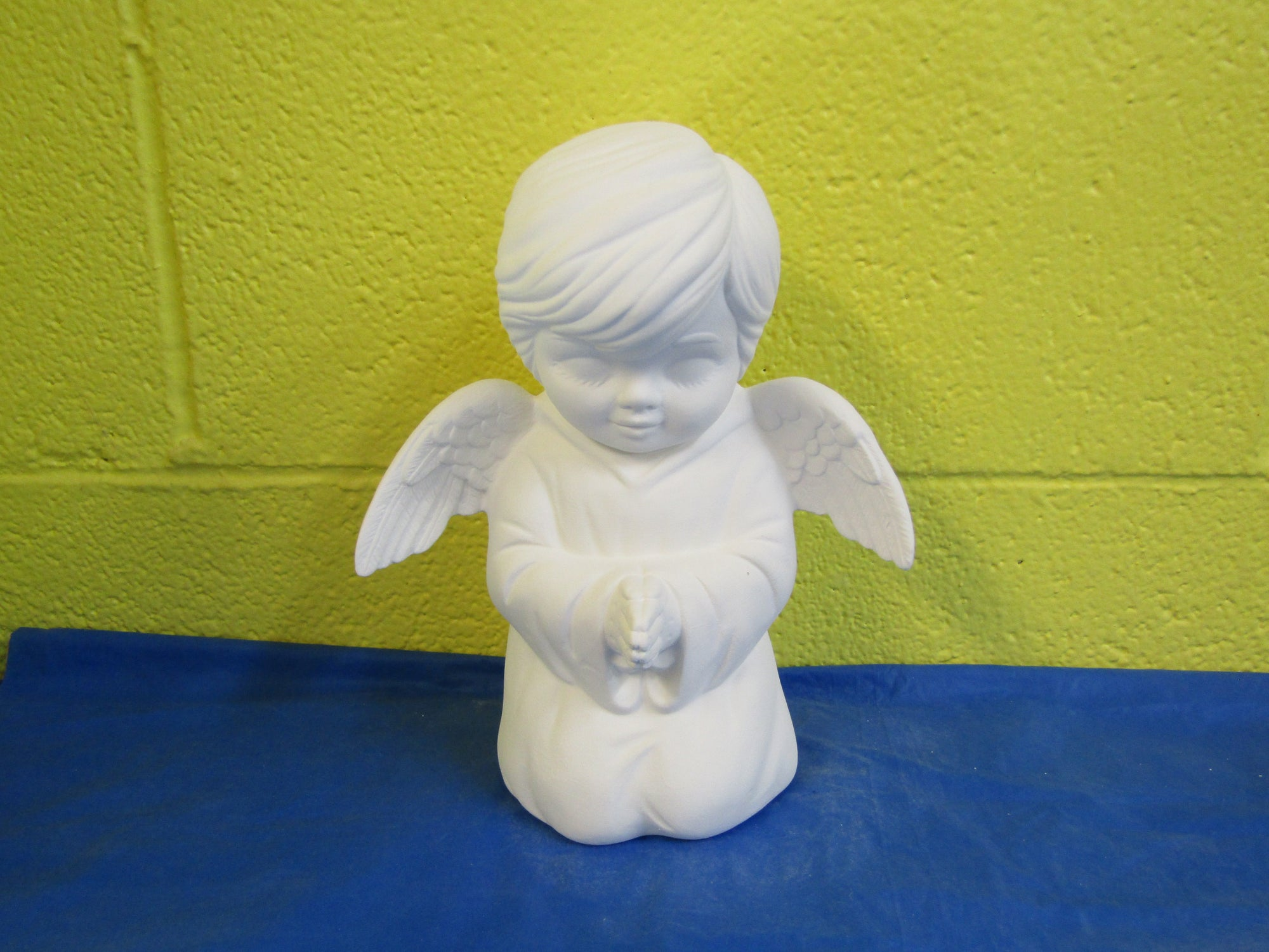 Angel - Boy, Praying