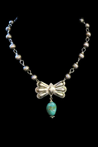 West Coast Cowgirl - Short Corrugated Bead Necklace w/ Concho/Turquoise (17N17)