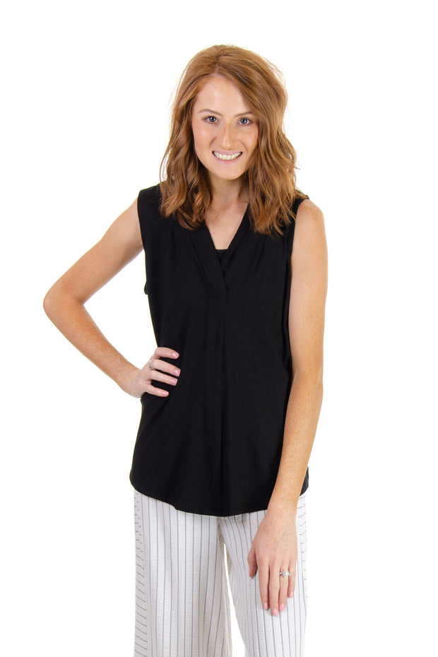 Cupio - Sleeveless V-neck Top in Black (CU1D596)