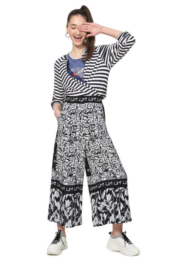 Desigual - Paola Wide Leg Print Pull-on Pants in Black/white (19SWPW31)