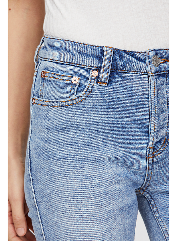Free People - Avery Bermuda Short in Light Blue (OB93544)