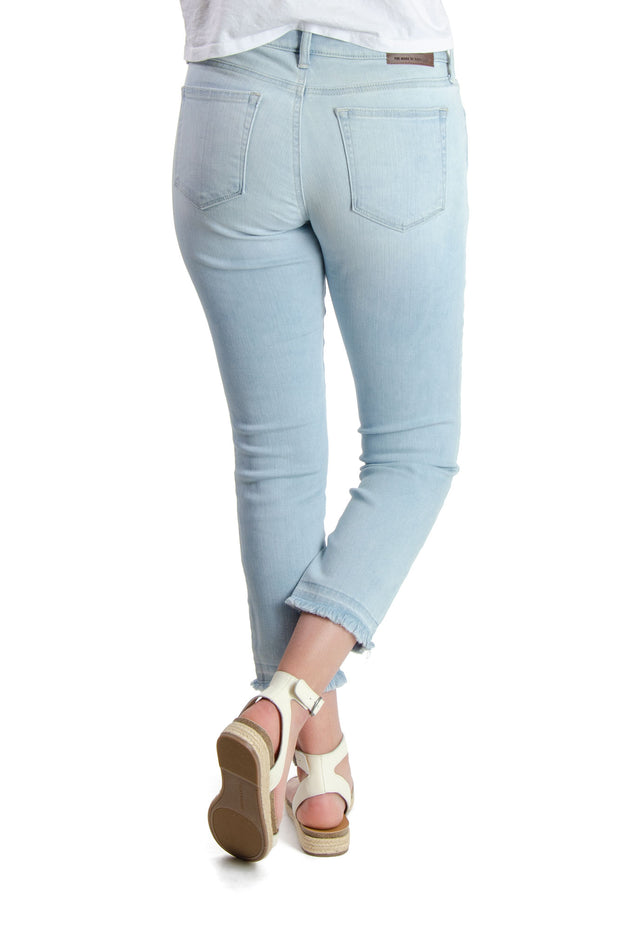 Lucky Brand - Lolita Mid-rise Crop w/ Fray Hem in Light Blue (7WD11014)