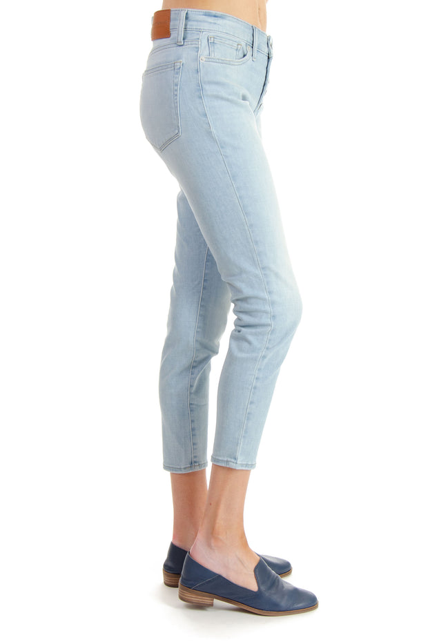 Ava Skinny Jean in Chester Wash